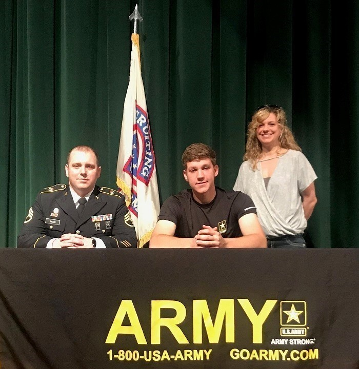 Union City 2019 Army Signing
