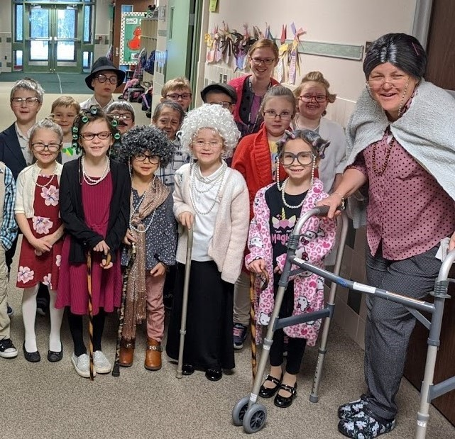 Union City 1st Graders Celebrate 100 days of School